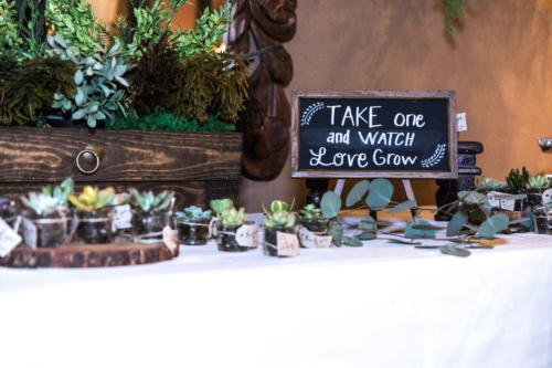 Table with wedding favours